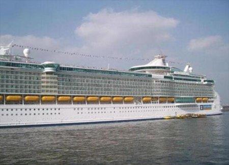 Новые «Титаники» бороздят океан